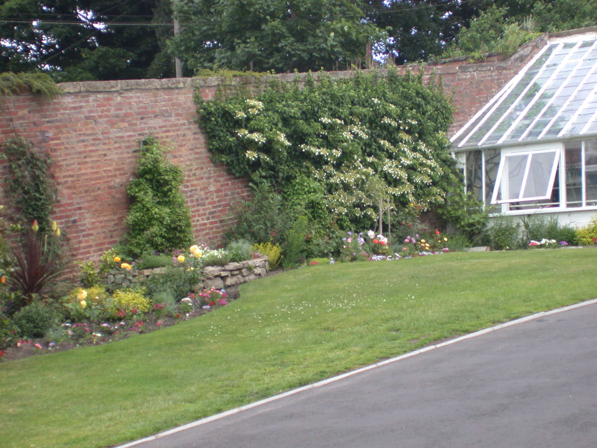 English Kitchen Garden Stourport Walls